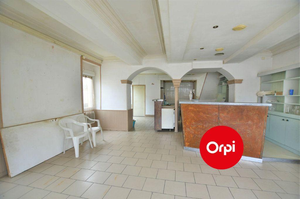 Immeuble à vendre 0 138m2 à Luzinay vignette-5