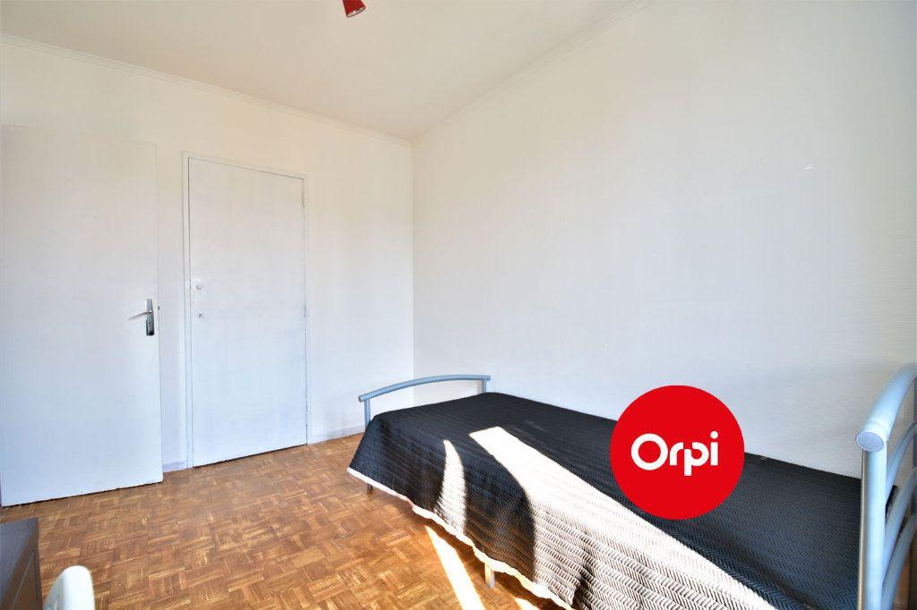 Appartement à louer 4 70m2 à Saint-Priest vignette-4