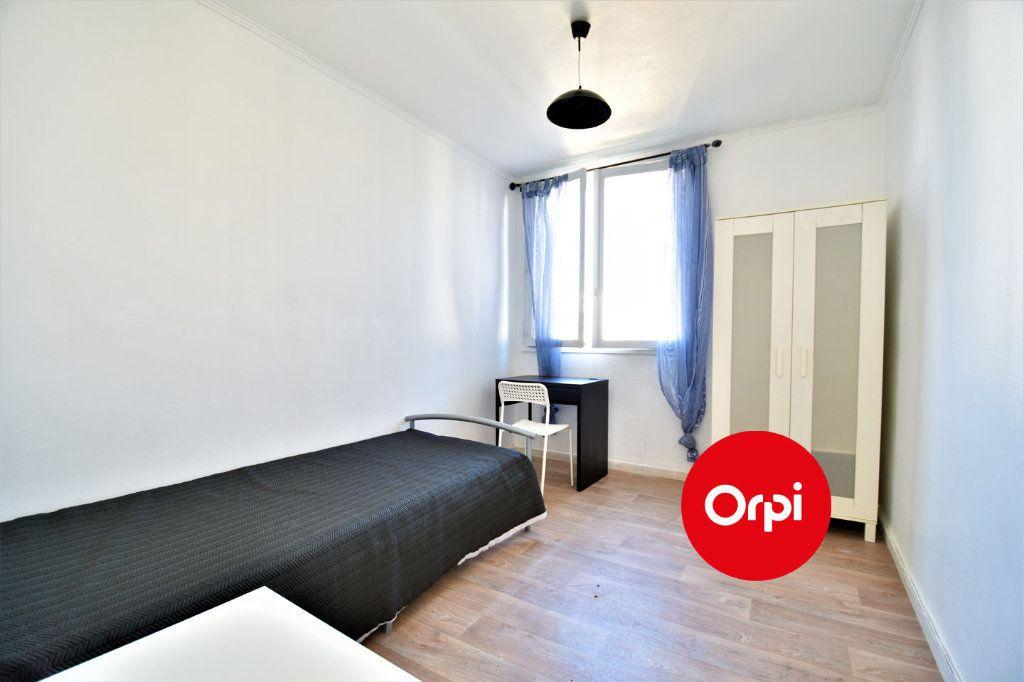 Appartement à louer 4 70m2 à Saint-Priest vignette-3