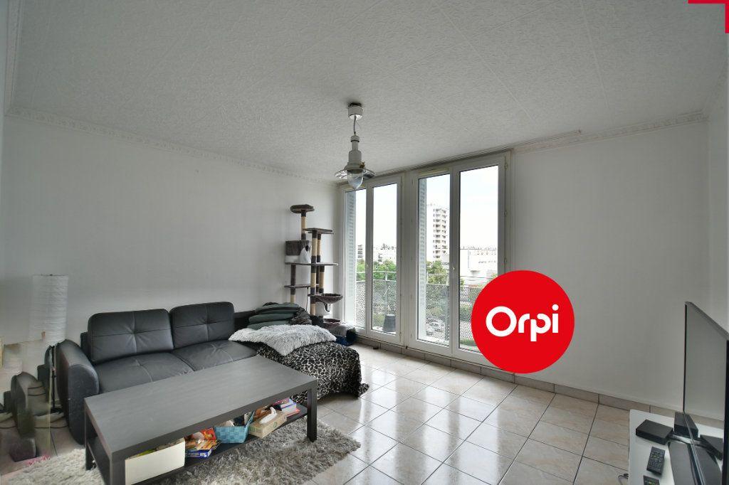Appartement à vendre 4 70m2 à Saint-Priest vignette-1