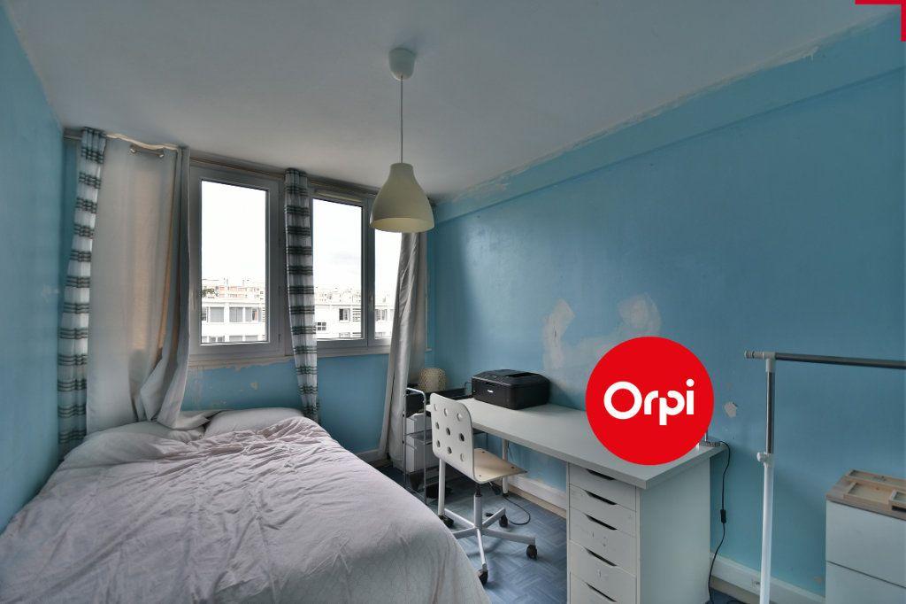 Appartement à vendre 4 70m2 à Saint-Priest vignette-2
