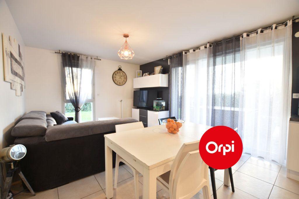 Appartement à vendre 3 58.54m2 à Saint-Priest vignette-2