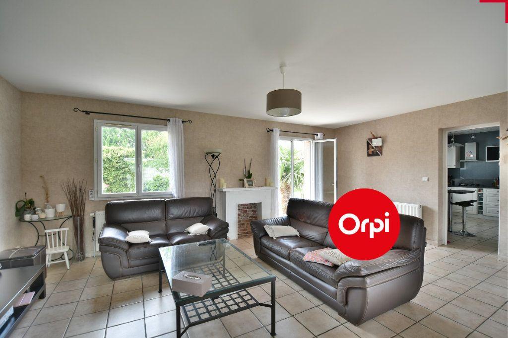 Maison à vendre 6 140m2 à Saint-Pierre-de-Chandieu vignette-3