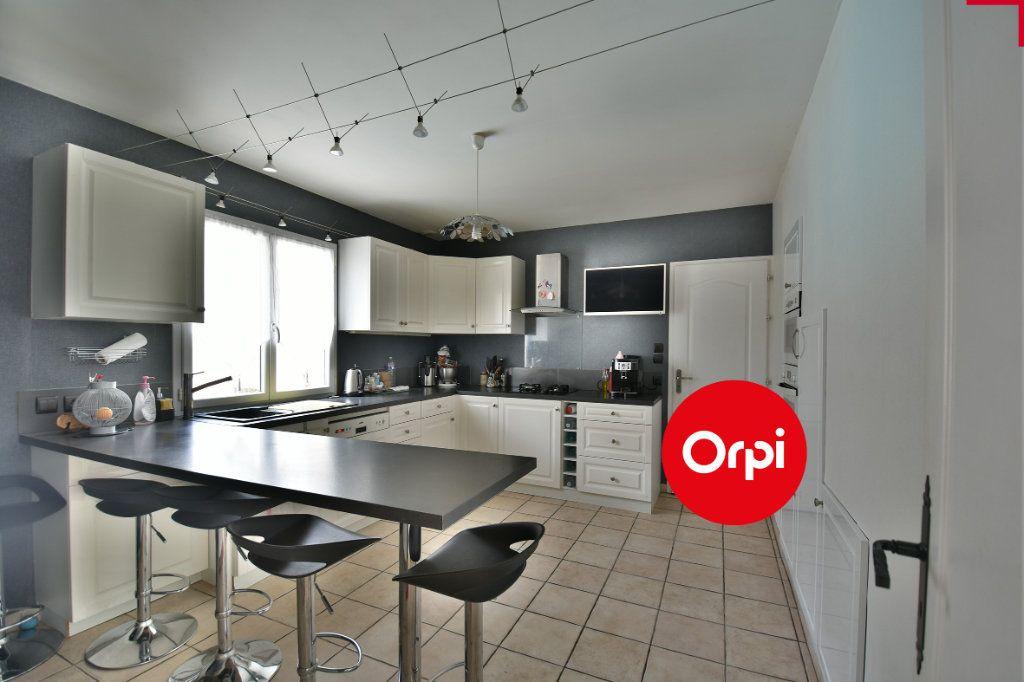 Maison à vendre 6 140m2 à Saint-Pierre-de-Chandieu vignette-4