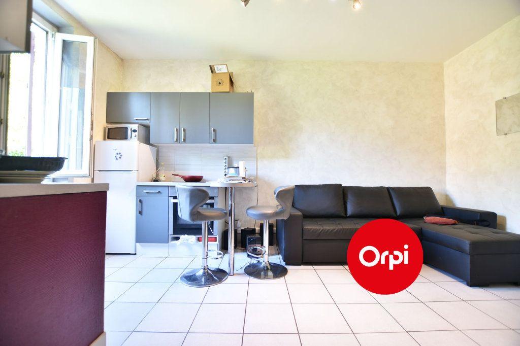 Appartement à vendre 2 27m2 à Saint-Priest vignette-2