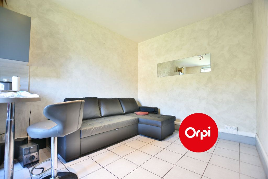 Appartement à vendre 2 27m2 à Saint-Priest vignette-3