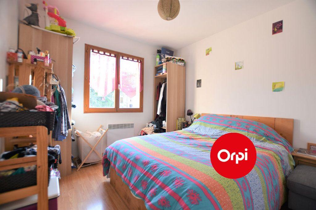 Appartement à louer 3 54m2 à Saint-Bonnet-de-Mure vignette-5