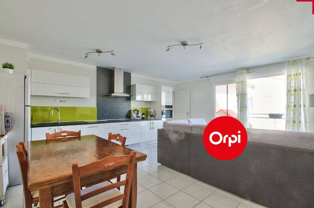 Appartement à vendre 4 79m2 à Saint-Priest vignette-2