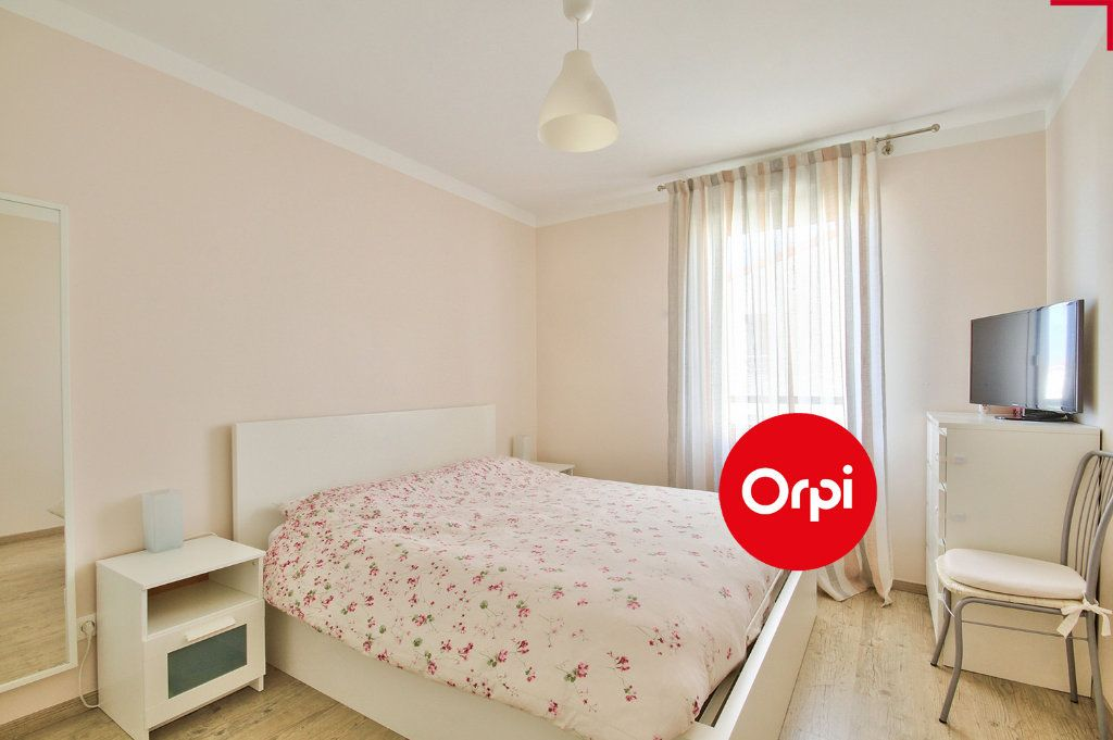 Appartement à vendre 4 79m2 à Saint-Priest vignette-5