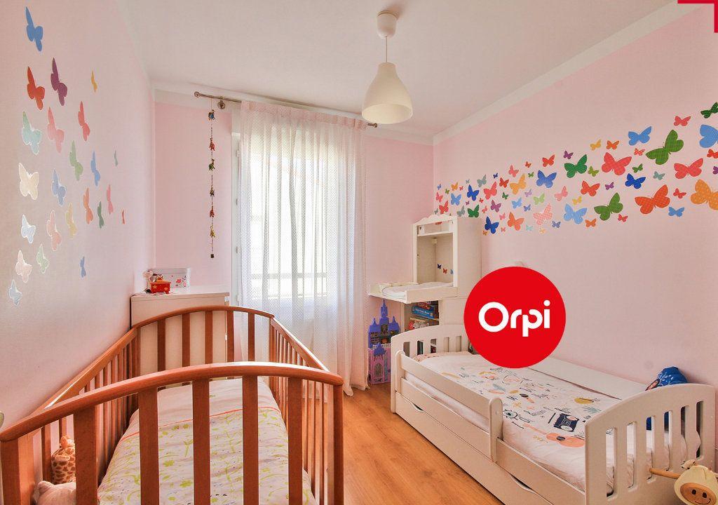 Appartement à vendre 4 79m2 à Saint-Priest vignette-6