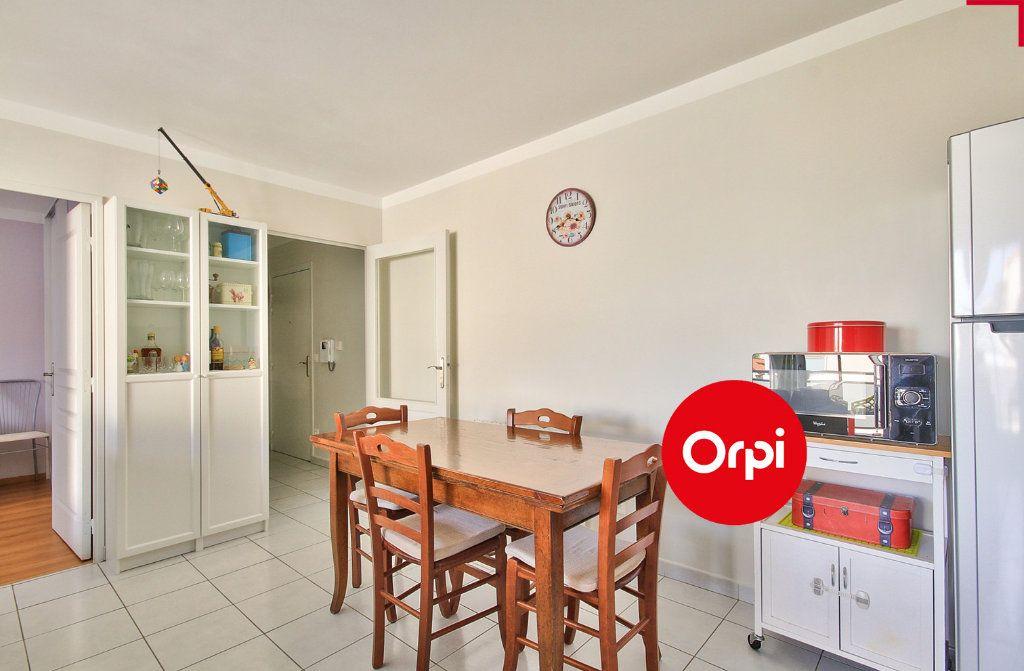 Appartement à vendre 4 79m2 à Saint-Priest vignette-9
