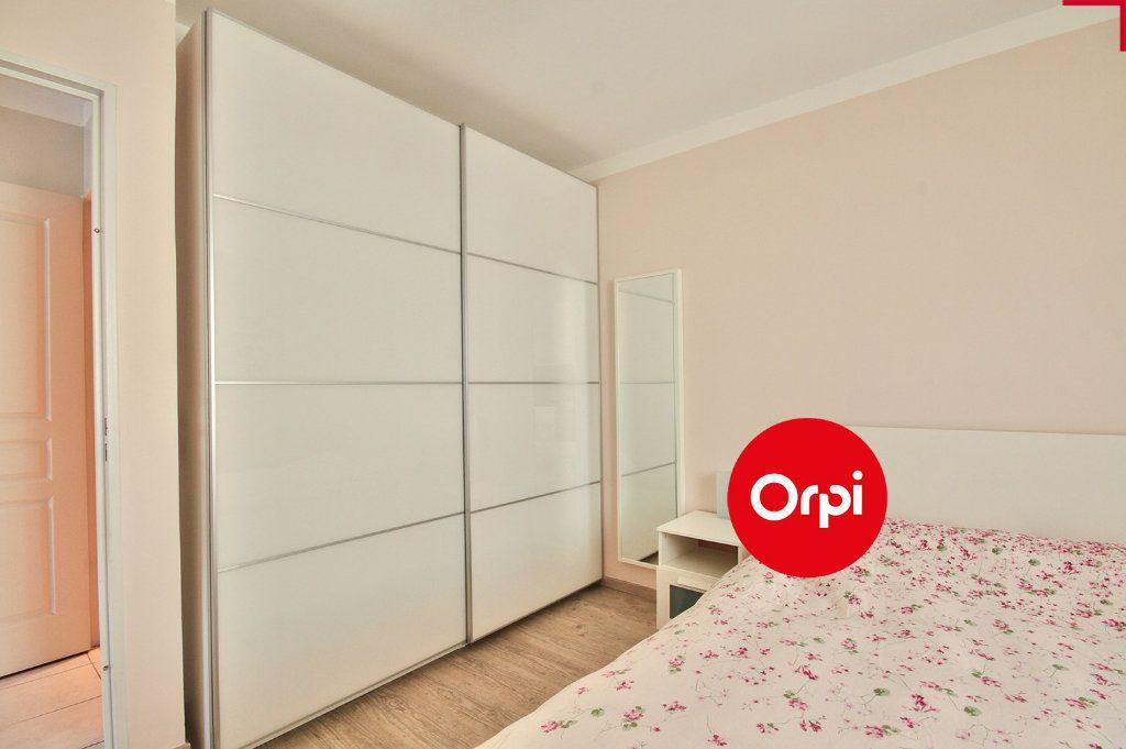 Appartement à vendre 4 79m2 à Saint-Priest vignette-10