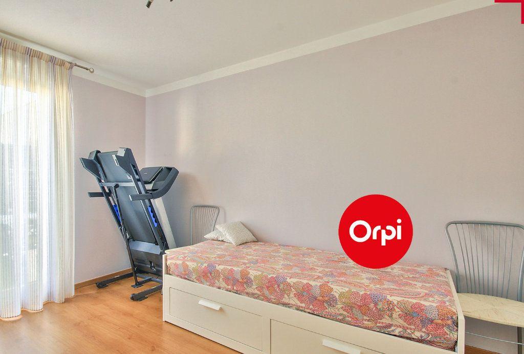 Appartement à vendre 4 79m2 à Saint-Priest vignette-11