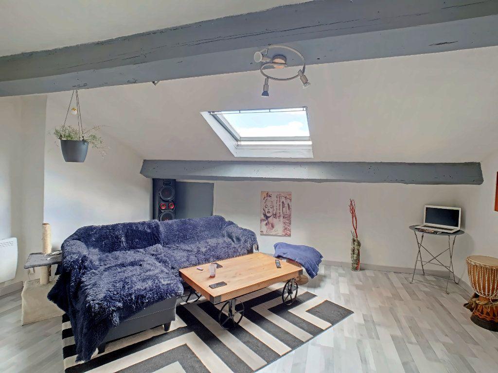 Appartement à vendre 2 51.8m2 à Riom vignette-1