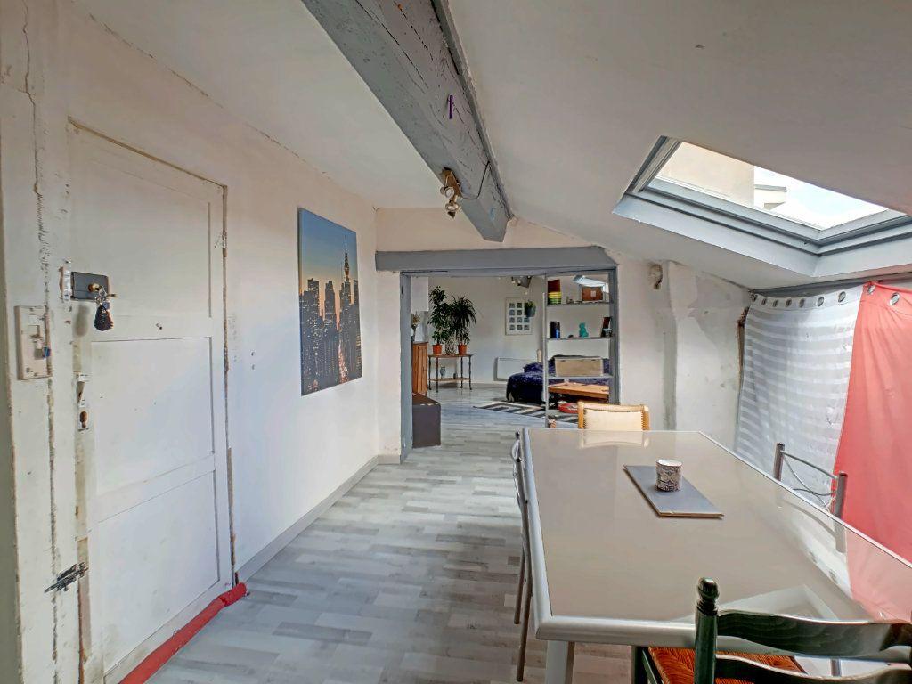 Appartement à vendre 2 51.8m2 à Riom vignette-3