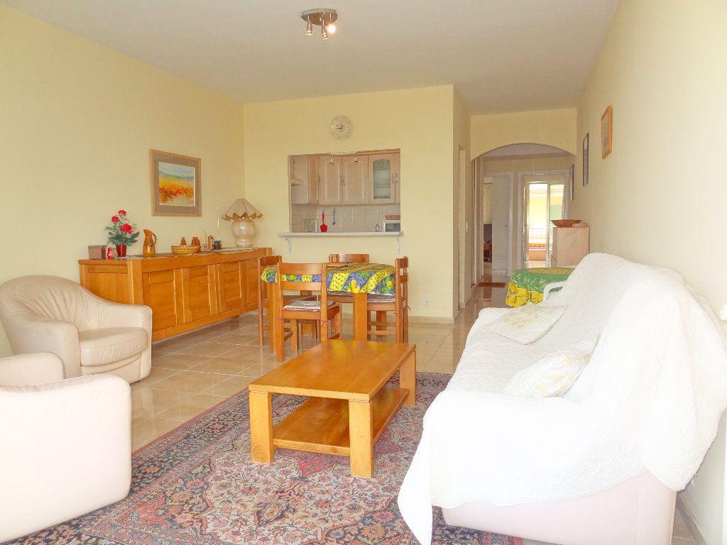 Appartement à vendre 3 65m2 à Menton vignette-4
