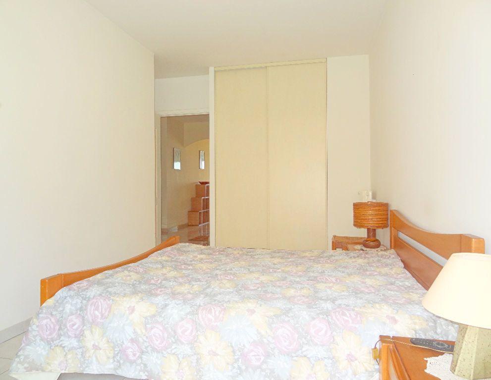Appartement à vendre 3 65m2 à Menton vignette-6