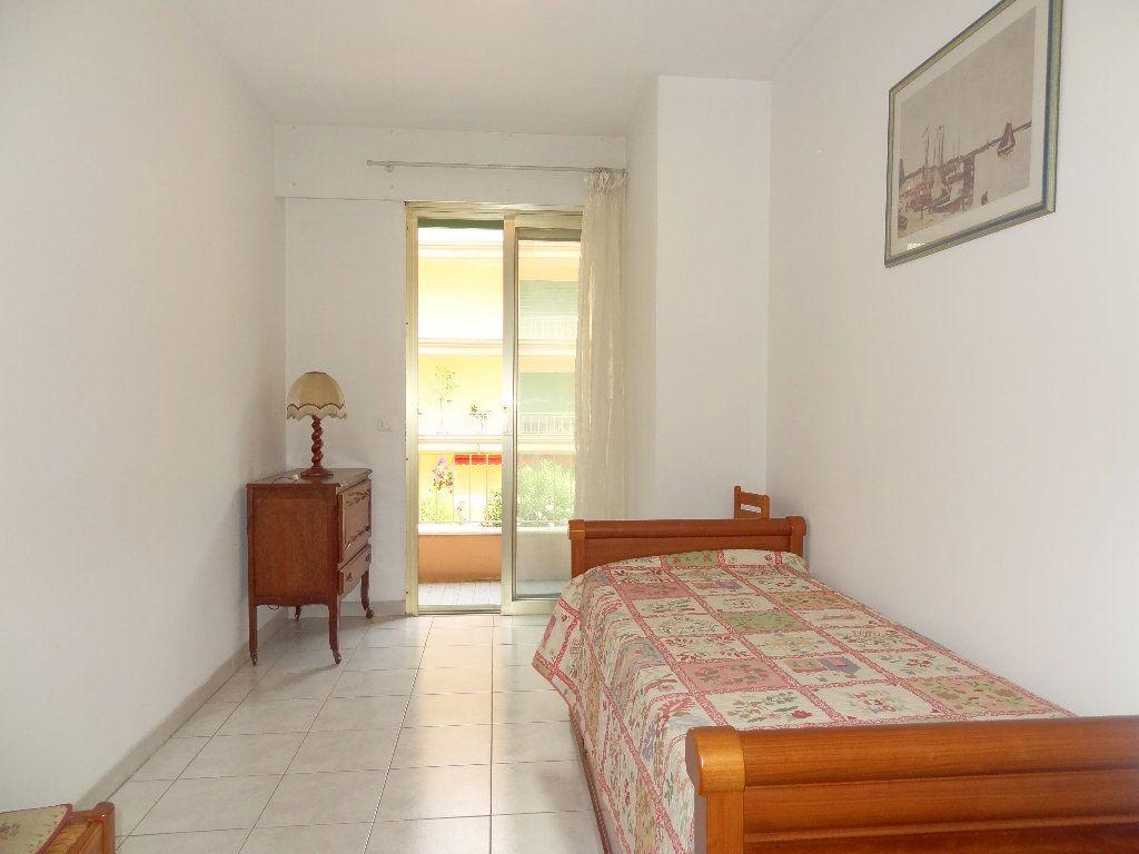 Appartement à vendre 3 65m2 à Menton vignette-7