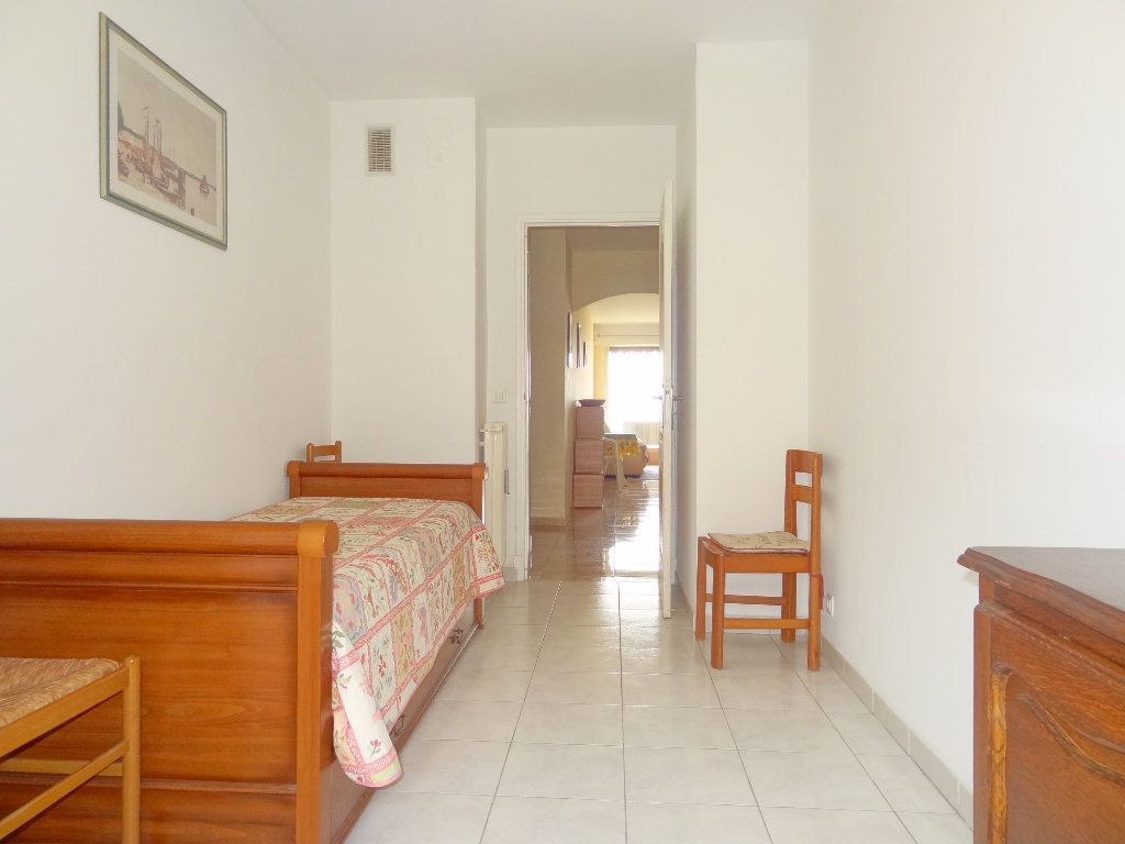Appartement à vendre 3 65m2 à Menton vignette-9