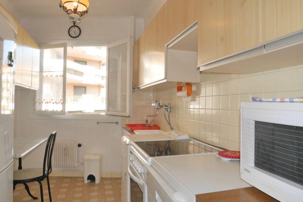 Appartement à vendre 2 51.29m2 à Roquebrune-Cap-Martin vignette-4