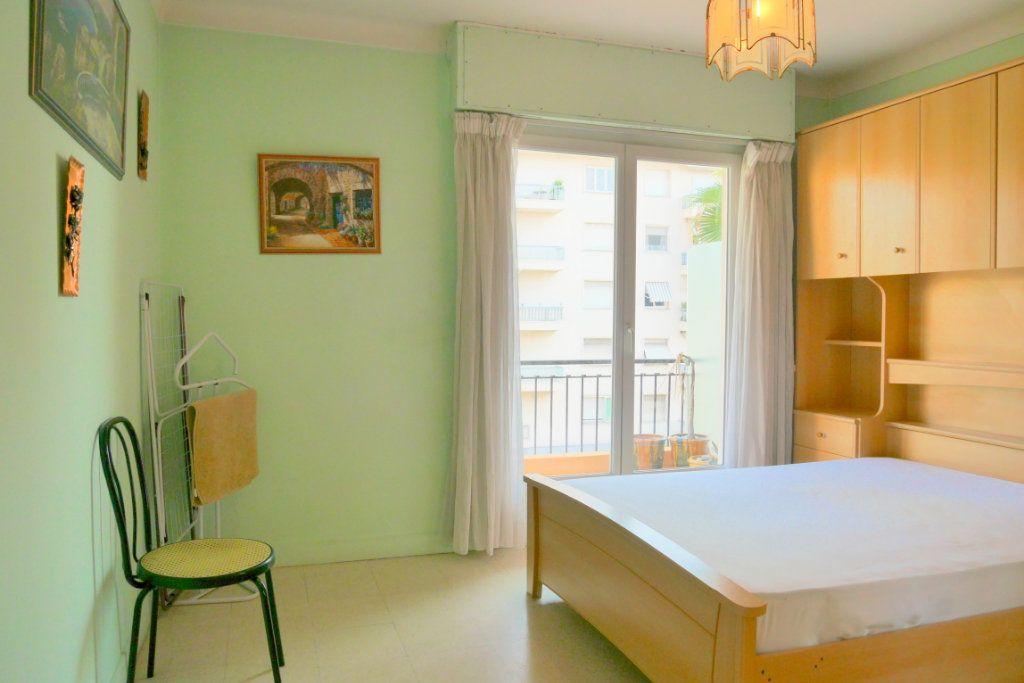 Appartement à vendre 2 51.29m2 à Roquebrune-Cap-Martin vignette-7