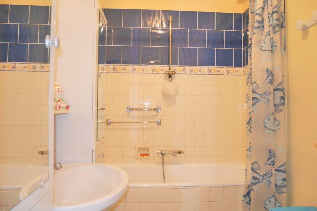 Appartement à vendre 2 51.29m2 à Roquebrune-Cap-Martin vignette-8
