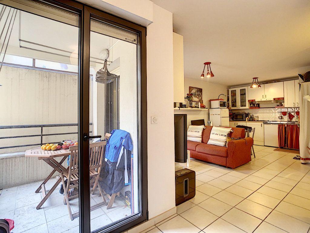 Appartement à vendre 2 41.9m2 à Menton vignette-11