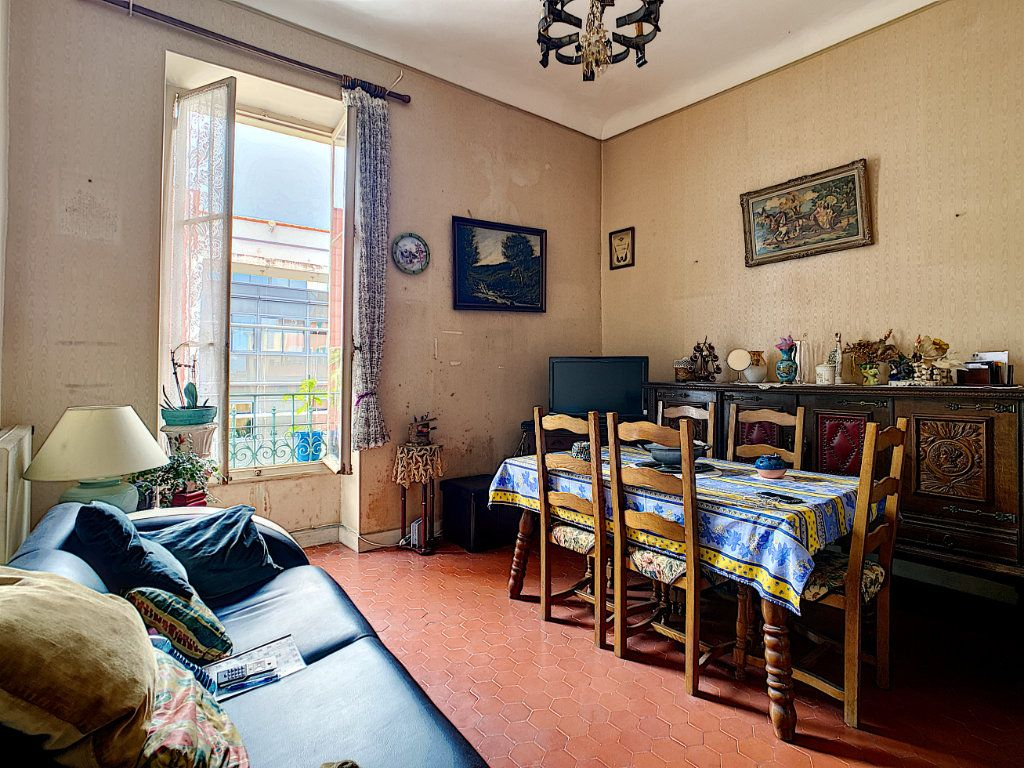 Appartement à vendre 3 73.7m2 à Menton vignette-2
