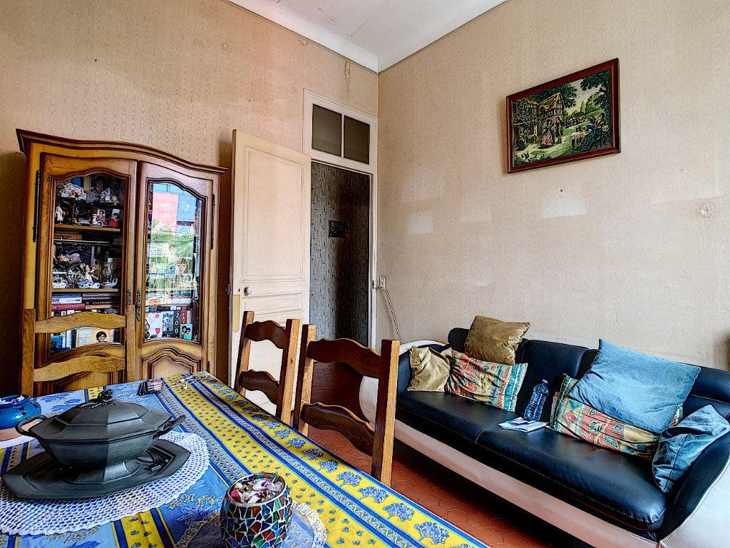 Appartement à vendre 3 73.7m2 à Menton vignette-3