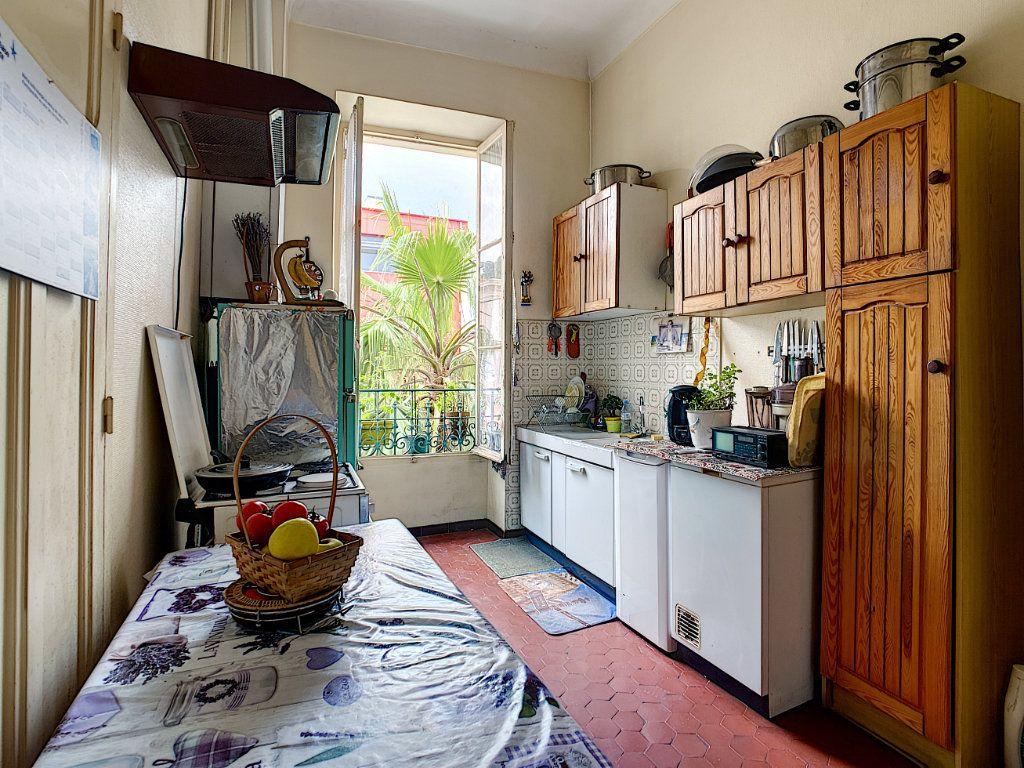 Appartement à vendre 3 73.7m2 à Menton vignette-4