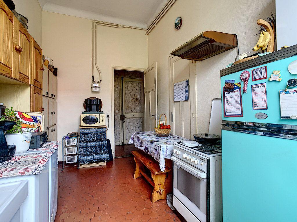 Appartement à vendre 3 73.7m2 à Menton vignette-5