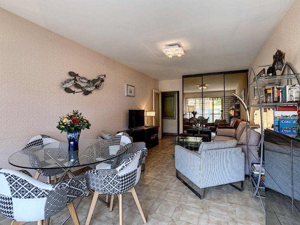 Appartement à vendre 2 51.12m2 à Menton vignette-4