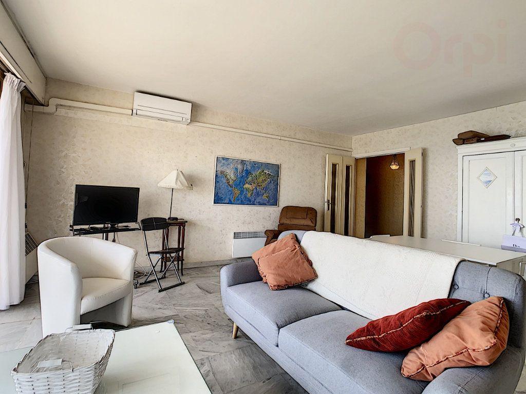 Appartement à vendre 3 79m2 à Roquebrune-Cap-Martin vignette-5