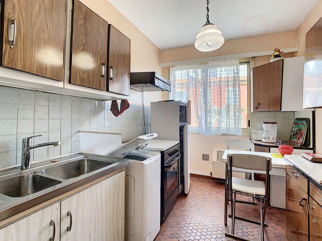 Appartement à vendre 3 79m2 à Roquebrune-Cap-Martin vignette-6