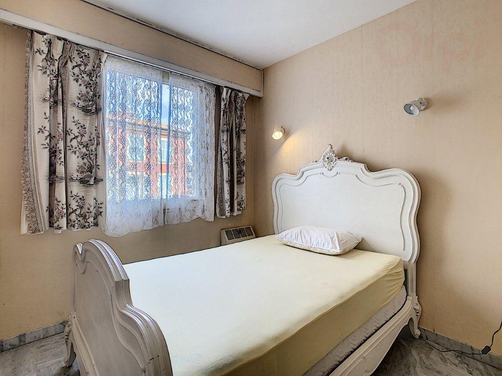 Appartement à vendre 3 79m2 à Roquebrune-Cap-Martin vignette-9