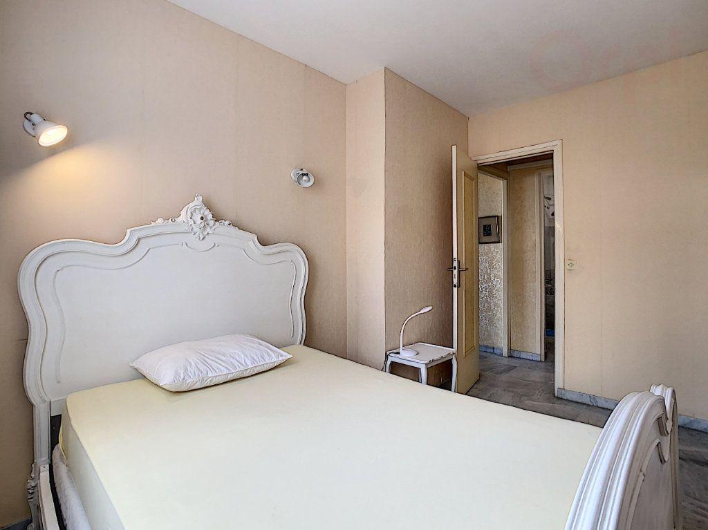 Appartement à vendre 3 79m2 à Roquebrune-Cap-Martin vignette-10