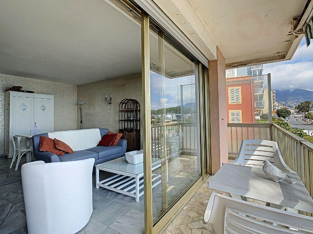 Appartement à vendre 3 79m2 à Roquebrune-Cap-Martin vignette-11