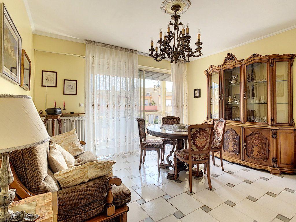 Appartement à vendre 2 47.75m2 à Menton vignette-4