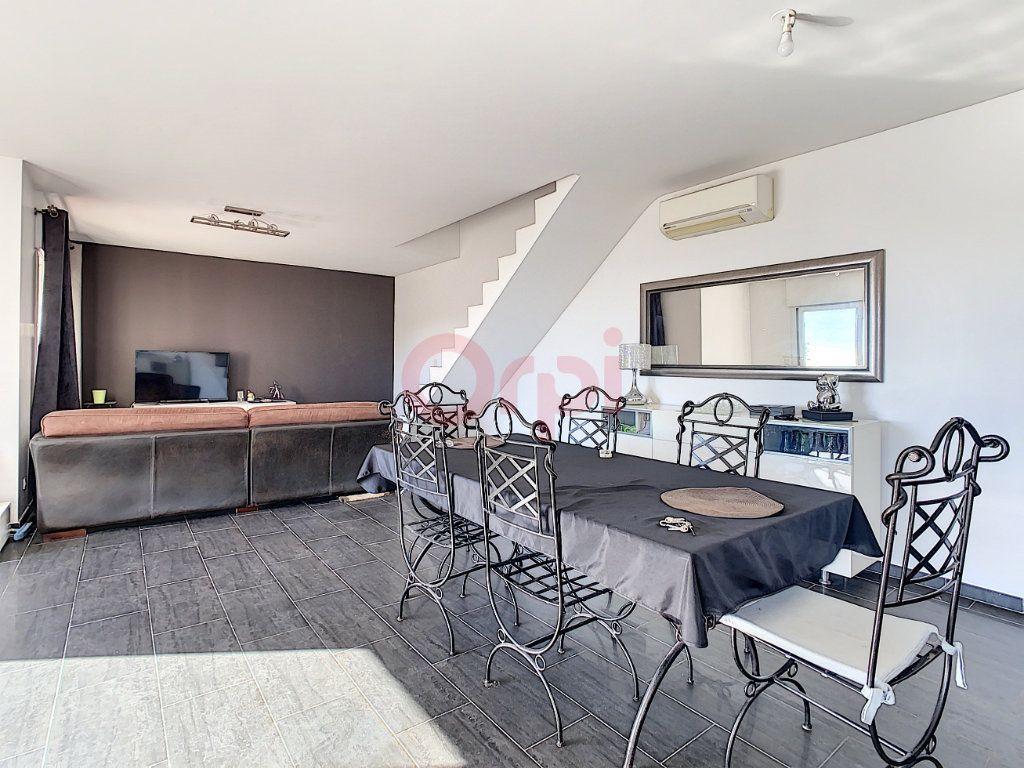 Maison à vendre 4 143m2 à Castellar vignette-3