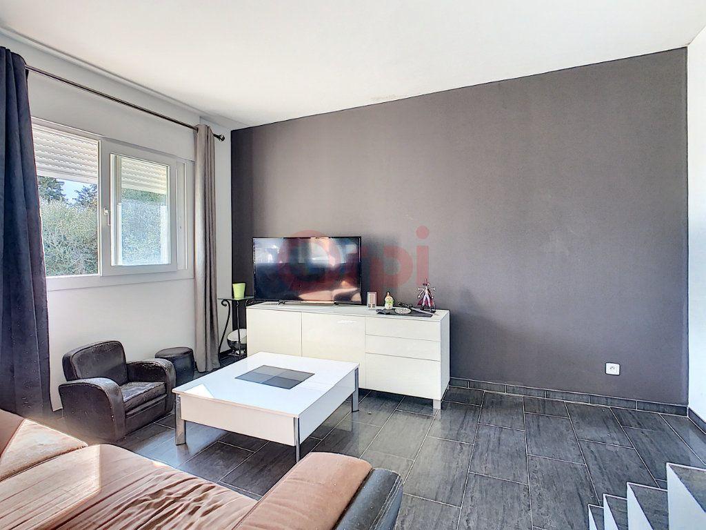 Maison à vendre 4 143m2 à Castellar vignette-7