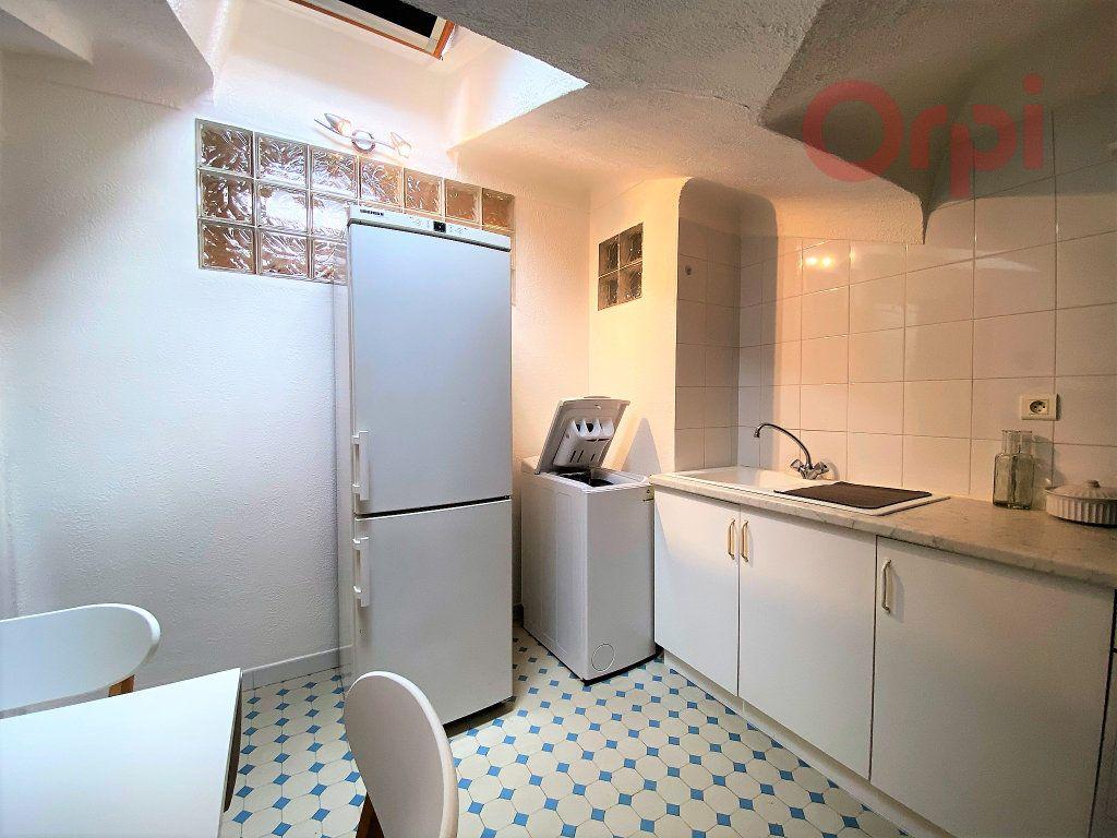 Appartement à louer 1 29.8m2 à Menton vignette-5