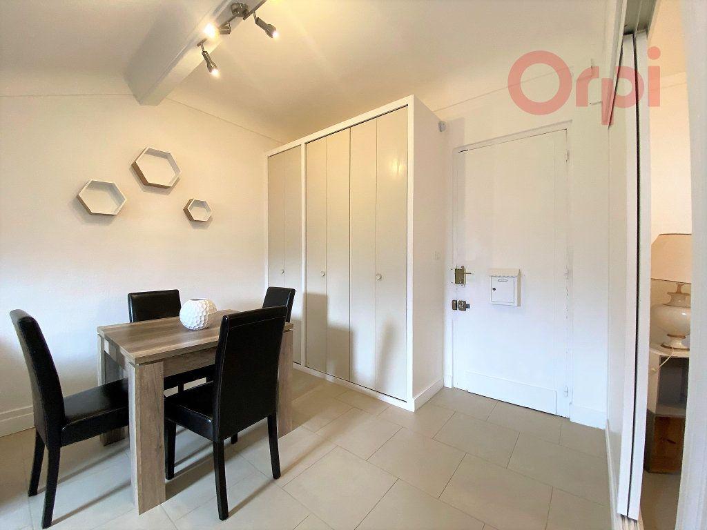 Appartement à louer 1 29.8m2 à Menton vignette-6