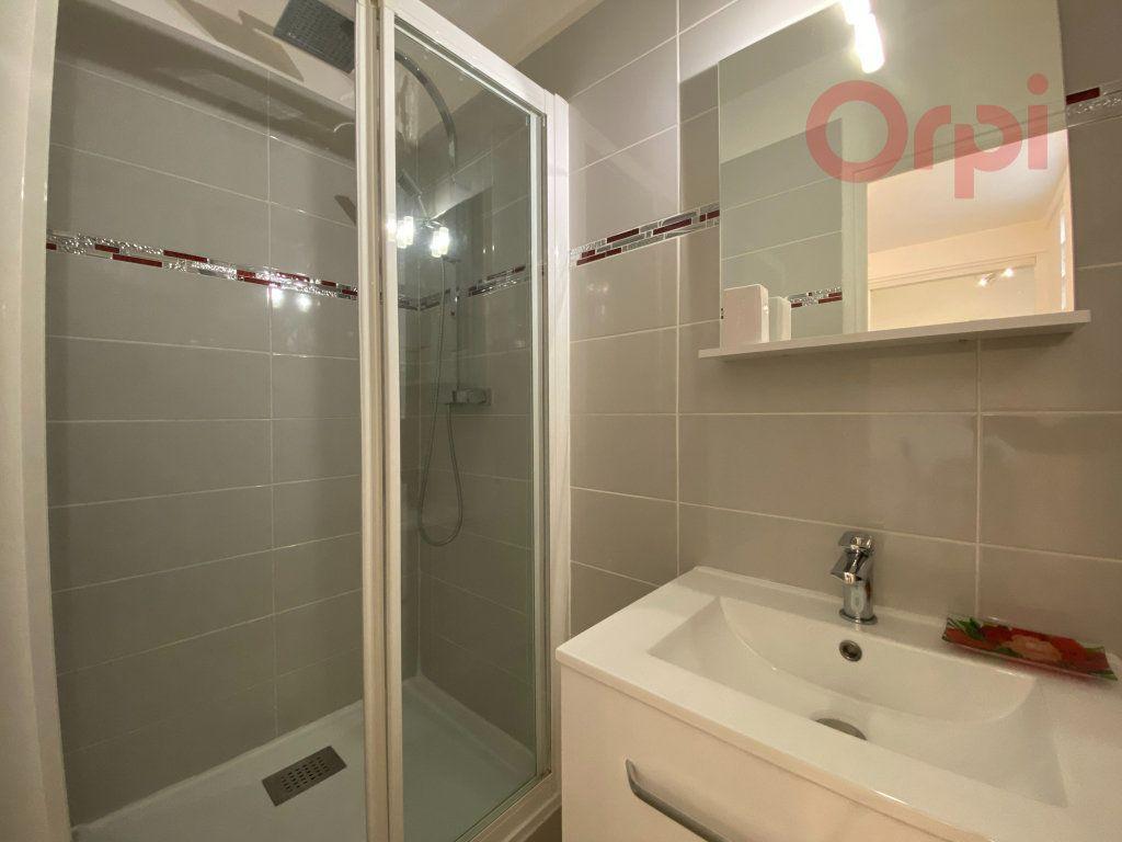 Appartement à louer 1 29.8m2 à Menton vignette-9