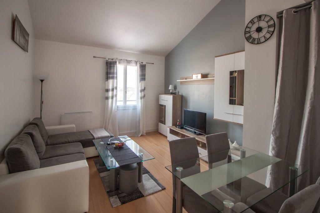 Appartement à louer 3 61.95m2 à Cergy vignette-1