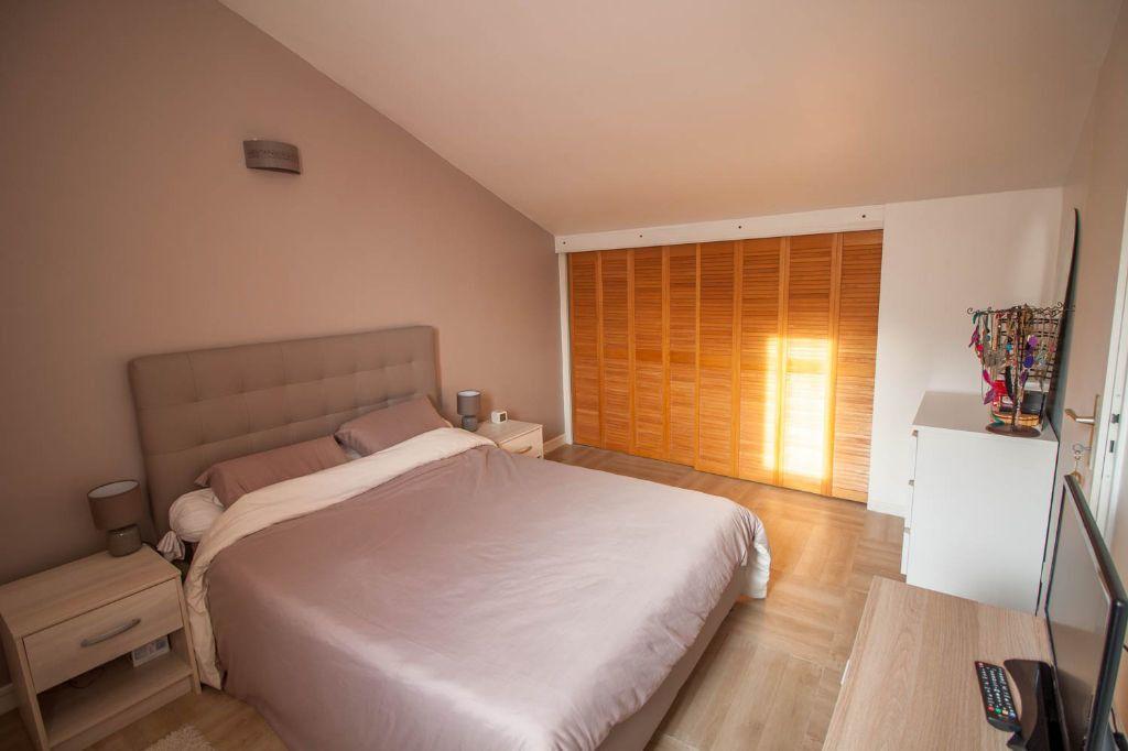 Appartement à louer 3 61.95m2 à Cergy vignette-3