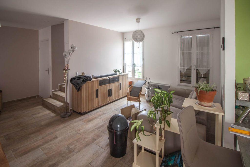 Maison à louer 5 100.97m2 à Frémainville vignette-4