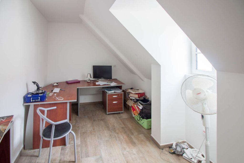 Maison à louer 5 100.97m2 à Frémainville vignette-9
