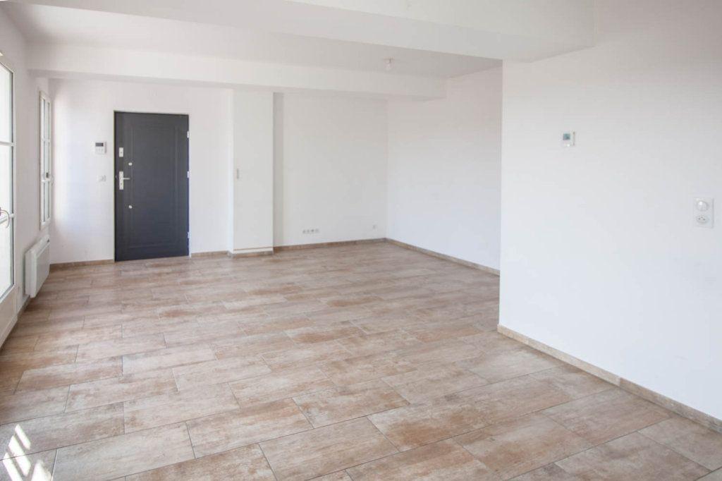 Appartement à louer 3 79.32m2 à Frémainville vignette-1