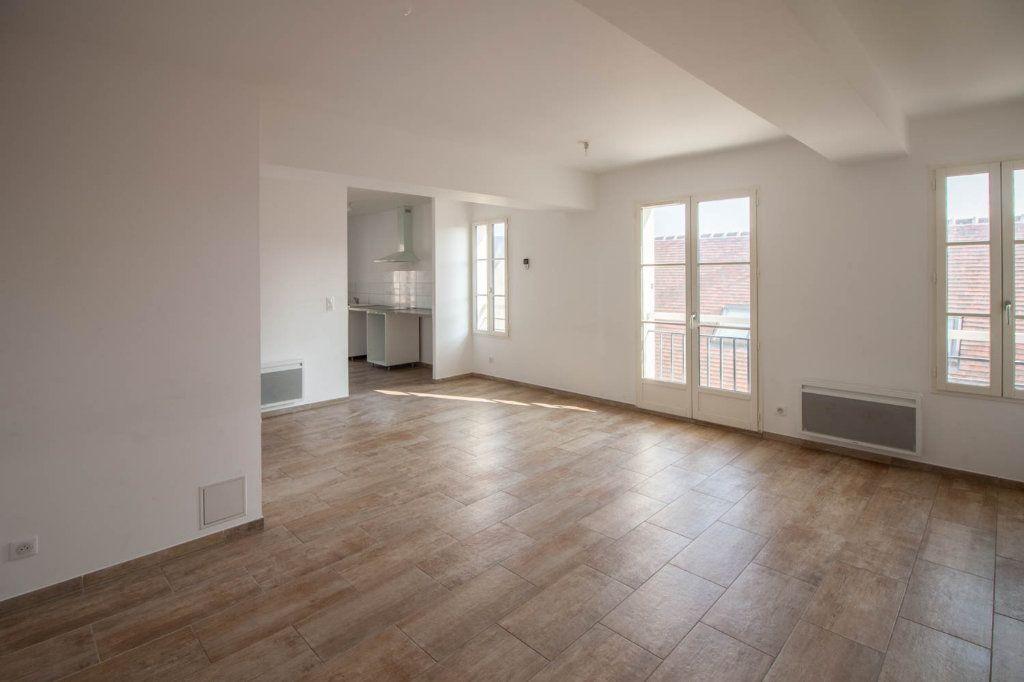 Appartement à louer 3 79.32m2 à Frémainville vignette-2