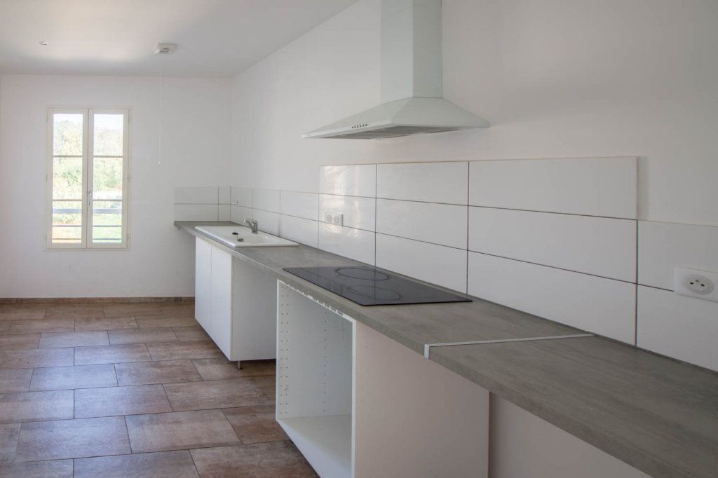 Appartement à louer 3 79.32m2 à Frémainville vignette-3